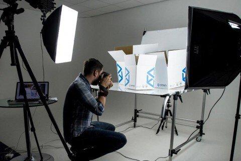 Chụp ảnh quảng cáo sản phẩm, Công ty